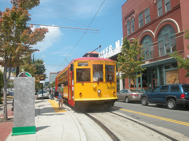 moving-little-rock-streetcar