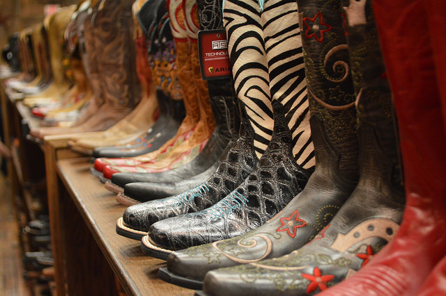 moving-nashville-cowboy-boots