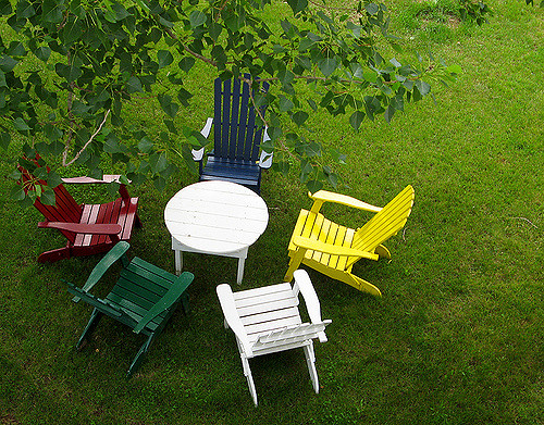 movearoo-spring-colorful-chairs
