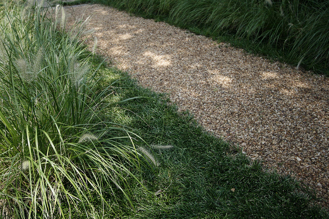 movearoo-spring-lawn-path